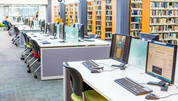 מחשבים בספרייה